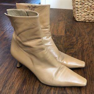 Stuart Weitzman Squared Toe Boots 8 1/2